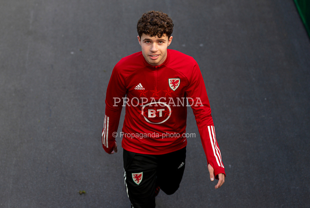 DUBLIN, REPUBLIC OF IRELAND - Sunday, October 11, 2020: Wales' Neco Williams during the pre-match warm-up before the UEFA Nations League Group Stage League B Group 4 match between Republic of Ireland and Wales at the Aviva Stadium. The game ended in a 0-0 draw. (Pic by David Rawcliffe/Propaganda)