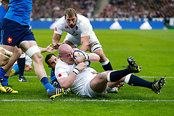 England Prop Dan Cole rolls over the tryline to score a try - Mandatory byline: Rogan Thomson/JMP - 19/03/2016 - RUGBY UNION - Stade de France - Paris, France - France v England - RBS 6 Nations 2016.