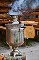 Armenie, province d'Aragatsotn, samovar dans une maison de thé// Armenia, Aragatsotn province, tea house with samovar