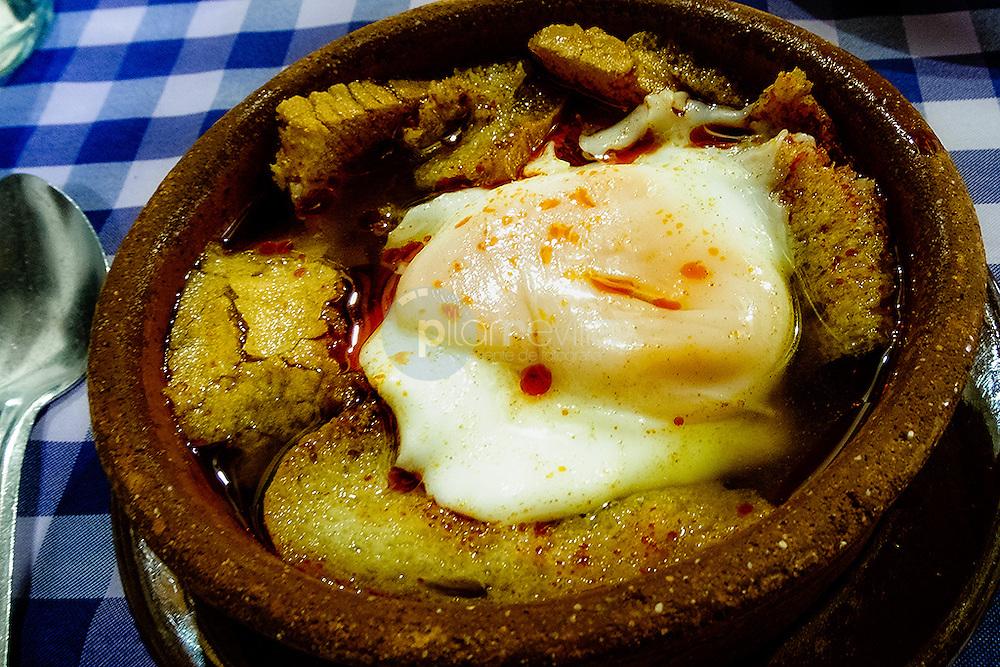 Huevos. Pedraza . Segovia. Castilla y Leon. España. Europa ©Country Sessions / PILAR REVILLA