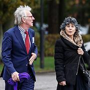 NLD/Leusden/20131107 - Uitvaart Leen Timp, Freek de Jonge en partner Hella Asser