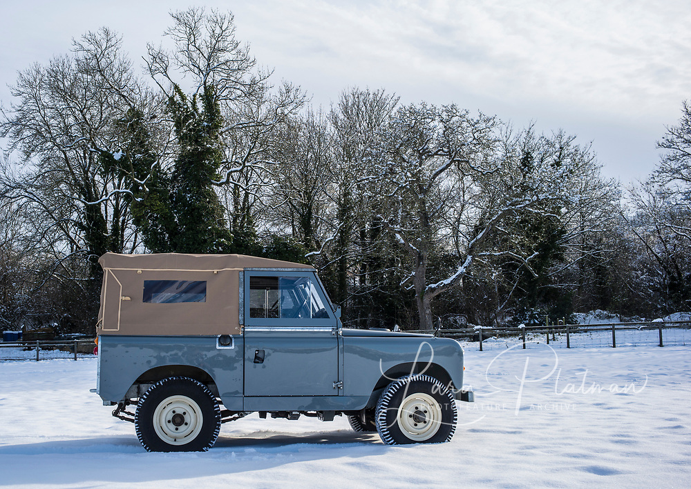 Land Rover 1964 SeriesIIA, Big Red, owned by Lara Platman. Fully nut and bolt restored. available for photographic shoots, Film props and commercials.