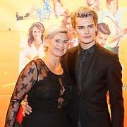 NLD/Amsterdam/20181122 - Premiere First Kiss, Koen Kardashian en zijn moeder
