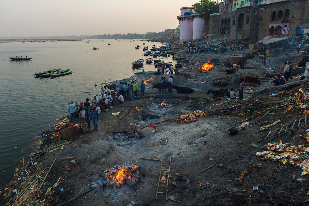 Manikarnika (the burning ghat) is the place where the majority of dead bodies are cremated in Varanasi, approximately 28,000 every year. Hindus believe it will liberate them from the cycle of death and rebirth.