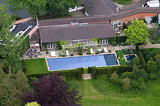 Oxfordshire: George Clooney & Amal Clooney's House - 10 June 2017