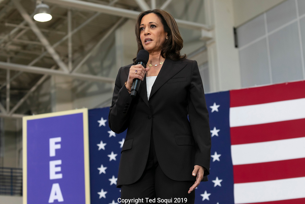 Democratic presidential candidate Senator Kamala Harris (CA) at a rally held at the Southwest College in Los Angeles. <br /> 5/19/2019 Los Angeles, CA USA.