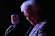 Dale Watson at Hernando Hide-A-Way in Memphis, Tennessee. © Karen Pulfer Focht