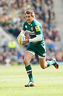 Picture by Andrew Tobin/Focus Images Ltd +44 7710 761829.25/05/2013. Toby Flood (C) of Leicester runs before passing for the 1st try during the Aviva Premiership match at Twickenham Stadium, Twickenham.