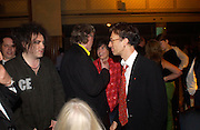 Robert Smith and Robin Gibb 50th Ivor Novello Awards, Grosvenor House. London. 26 may 2005. ONE TIME USE ONLY - DO NOT ARCHIVE  © Copyright Photograph by Dafydd Jones 66 Stockwell Park Rd. London SW9 0DA Tel 020 7733 0108 www.dafjones.com