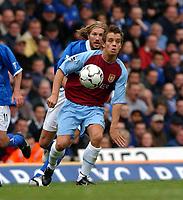 Fotball<br /> Premier League England 2003/2004<br /> Foto: Digitalsport<br /> <br /> LEE HENDRIE<br /> ASTON VILLA 2003/2004<br /> BIRMIGHAM CITY V ASTON VILLA (0-0) <br /> PREMIER LEAGUE 19/10/03<br /> PHOTO ROBIN PARKER