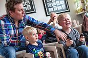 Sund i Syd, Den Trygge Vej<br /> Hver eneste dag mærker Charlotte og Lars Bruun Mortensen, at deres søn på seks år døjer <br /> med psykiske og motoriske problemer. Gennem projekt Den Trygge Vej føler de for alvor, at <br /> der bliver taget hånd om deres situation.