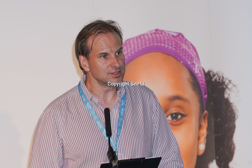 London, UK. 7th October, 2016. Presenter Alastair Brown at the Byte Night 2016 - Action for Children to tackle youth homelessness in London at Norton Rose Fulbright, 3 More London Riverside, London, UK. Photo by See Li