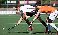 AMSTELVEEN  - Hockey -  1e wedstrijd halve finale Play Offs dames.  Amsterdam-Bloemendaal (5-5), Bl'daal wint na shoot outs.  Jan Willem Buissant   en Tim Swaen (Bldaal)     COPYRIGHT KOEN SUYK