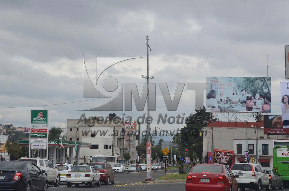 Toluca, México (Octubre 21, 2016).- A pesar de que existen varias cámaras de vigilancia en la ciudad de Toluca, la ciudadanía se queja de que no graban cuando hay asaltos.  Agencia MVT / José Hernández.