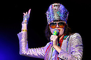 Santa Luzia_MG, Brasil.<br /> <br /> A banda americana Yeah Yeah Yeahs se apresenta no palco circuito durante festival musical Circuito Cultural Banco do Brasil realizado no Mega Space, Santa Luzia, Minas Gerais. Na foto a vocalista  Karen O.<br /> <br /> The American band Yeah Yeah Yeahs performs at the circuit stage during the Culture Center Bank of Brazil  music festival in Mega Space, Santa Luzia, Minas Gerais. In the picture the lead singer Karen O.<br /> <br /> Foto: MARCUS DESIMONI / UOL