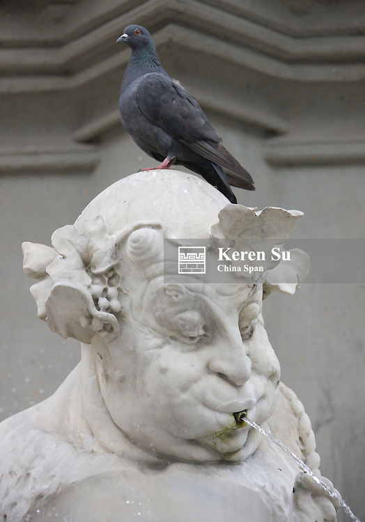 Statue, Munich, Germany