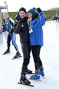 De Hollandse 100 op FlevOnice, een sportief evenement ter ondersteuning van onderzoek naar lymfeklierkanker. Een oer-Hollandse duatlon bestaande uit twee onderdelen: schaatsen en fietsen. <br /> <br /> The Dutch 100 on FlevOnice, a sporting event to support research into lymphoma. A traditional Dutch duathlon consisting of two components: skating and cycling.<br /> <br /> Op de foto:  Monique des Bouvrie