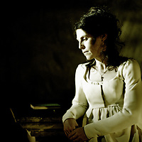 Pictured: Gail Pearson as Mary Wollstonecraft Godwin. Gail appears in Scottish Opera's brand new production, 'Monster' 2002.Composer - Sally Beamish.Libretto - Janice Galloway.Monster receives its World Premiere at Theatre Royal, Glasgow on 28/2/02 and also tours to Edinburgh Festival Theatre and Brighton Festival.. Picture © Drew Farrell . (Drew Farrell  07721- 735041 ) . Scottish Opera Contact : Press Manager Wendy Grannon  0141-248 4567. Note to Editors:  This image is free to be used editorially in the promotion of Scottish Opera and the forthcoming Tour. Without prejudice ALL other licences without prior consent will be deemed a breach of copyright under the 1989 Copyright Design and Patents Act  and will be subject to payment or legal action, where appropriate.