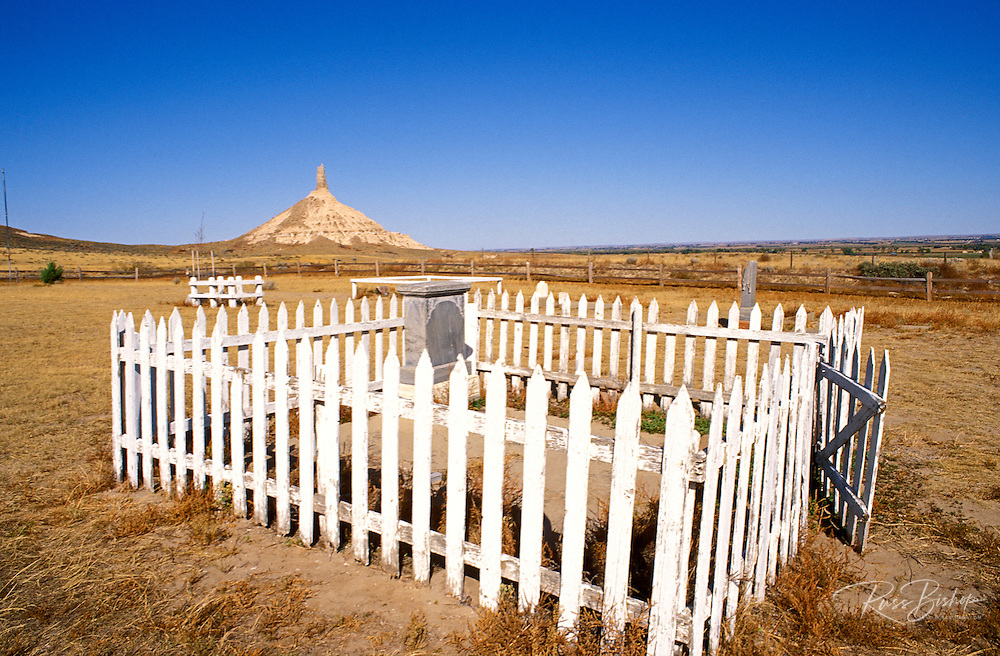 Pioneer graves in the Chimney Rock Cemetery on the Oregon Trail, Chimney Rock National Historic Site, Nebraska USA
