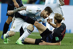 (l-r) Lionel Messi of Argentina, Ivan Strinic of Croatia during the 2018 FIFA World Cup Russia group D match between Argentina and Croatia at the Novgorod stadium on June 21, 2018 in Nizhny Novgorod, Russia
