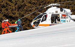 THEMENBILD - Mitglieder des Notarzthubschraubers Martin 1 (OE-XMM, MD Helicopters Explorer 902), bringen einen verletzten Skifahrer mit einer Rettungsbahre in den Hubschrauber zur ärztlichen Versorgung am Zwölferkogel in Hinterglemm, Oesterreich, aufgenommen am 28. Maerz 2017 // Members of the Martin 1 (OE-XMM, MD Helicopters Explorer 902) Emergency Medical Helicopter Crew with a Injured Skier on a Rescue stretcher at the Zwoelferkogel Ski Resort in Hinterglemm, Austria on 2017/03/28. EXPA Pictures © 2017, PhotoCredit: EXPA/ JFK