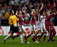 Fotball<br /> England 2005/2006<br /> Foto: SBI/Digitalsport<br /> NORWAY ONLY<br /> <br /> Danmark v England<br /> <br /> International Friendly. 17/08/2005.<br /> <br /> Denmark celebrate their crushing victory.