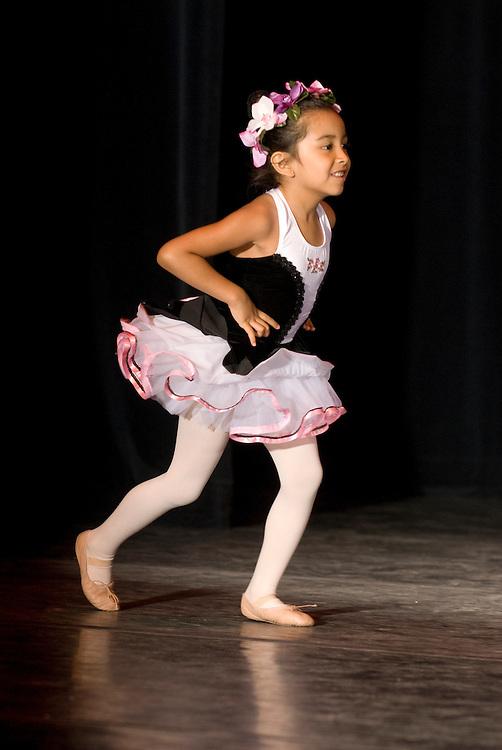 (photo by Matt Roth).Saturday, June 12, 2010..Beginner Ballet & Tap Thursday .EXM's Spring Concert at The Gordon Center in Owings Mills, MD