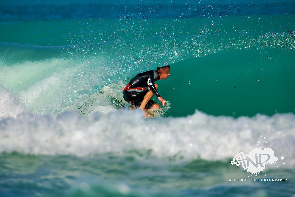 GF a.k.a Graeme Fenton finding some much needed shade at Main Beach, Dubai, United Arab Emirates. These type of waves are rare in this part of the world, so it was taken advantage of!