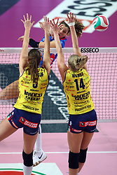 26-01-2019 ITA: Igor Gorgonzola Novara - Pomi Casalmaggiore, Novara<br /> Palavolo Campionato Italiano Volley A1<br /> Cristina Chirichella of Novara, Robin de Kruijf #5 of Casalmaggiore, Joanna Wolosz #14 of Casalmaggiore<br /> <br /> *** Netherlands use only ***