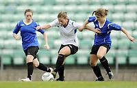 Fotball<br /> Norge<br /> 04.05.2011<br /> Foto: Morten Olsen, Digitalsport<br /> <br /> Trening Norge A kvinner<br /> Nadderud Stadion<br /> Internkamp - Norge Blå mot Norge Hvit<br /> <br /> Lisa-Marie Woods og Maren Mjelde (B)<br /> Madeleine Giske (W)