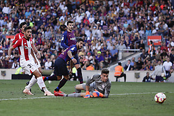 September 29, 2018 - Barcelona, Catalonia, Spain - September 29, 2018 - Camp Nou, Barcelona, Spain - LaLiga Santander- FC Barcelona v Athletic de Bilbao; Luis Suarez of FC Barcelona kicks the ball. (Credit Image: © Marc Dominguez/ZUMA Wire)