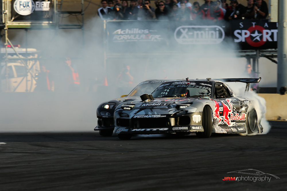 New Zealand duo Mike Whiddett and Daynom Templeman in very different Rx-7's.