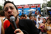 """Israeli singer Gilad Cahana and the Giraffes band are performing at the Tel Aviv university for the annual """"Student day"""".  May 5 ,2007."""