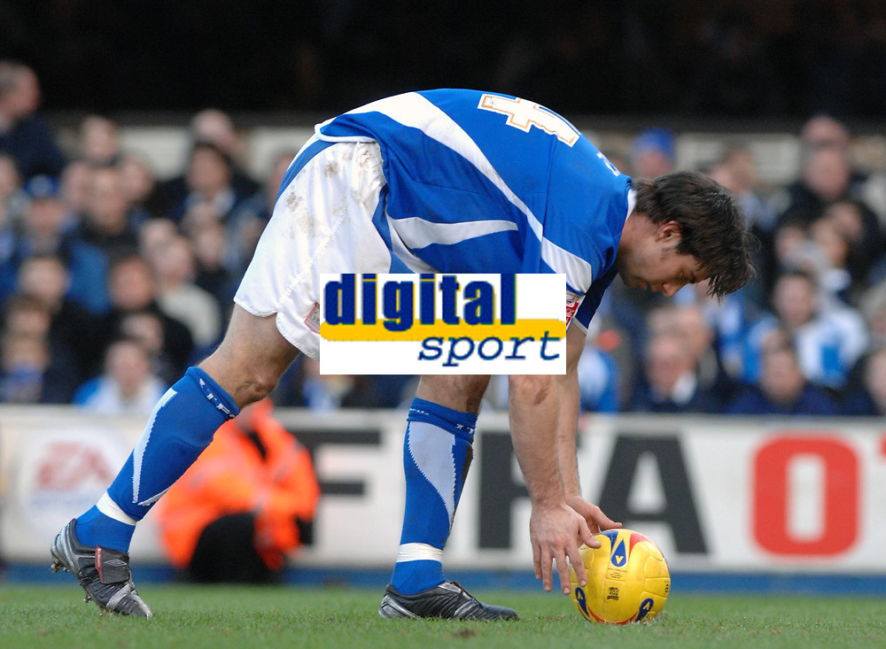 Photo: Ashley Pickering.<br />Ipswich Town v Colchester United. Coca Cola Championship. 20/01/2007.<br />Ipswich's Alan Lee places the ball on the penalty spot (1-1)