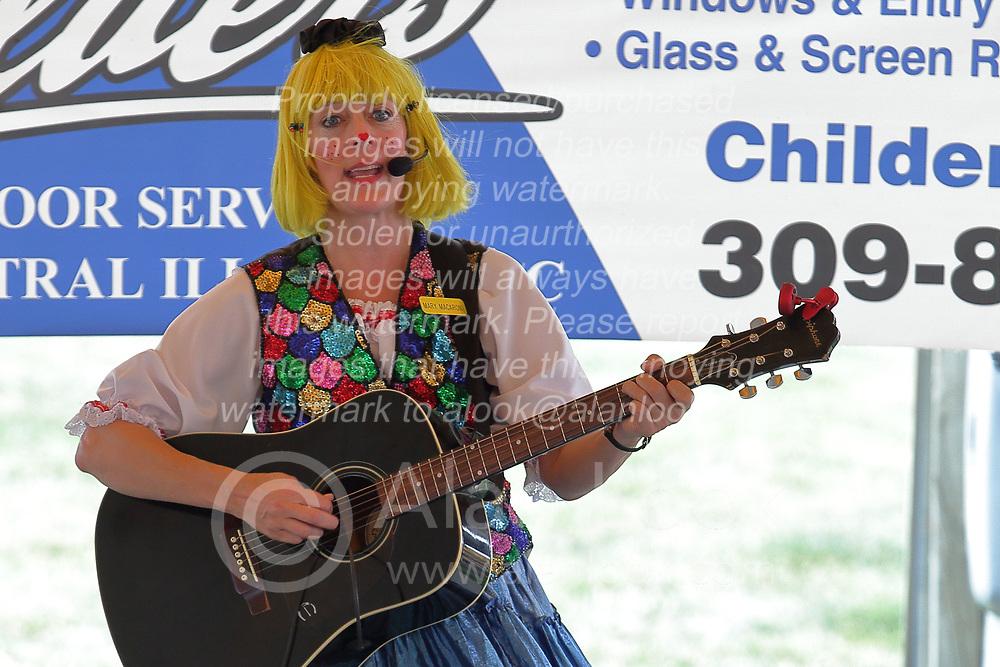 03 August 2017:  Mary Macaroni at 2017 McLean County Fair<br /> <br /> #alphoto513