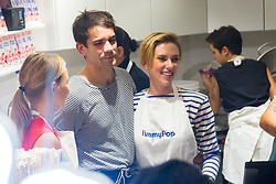Romain Dauriac, Scarlett Johansson at Popcorn store 'YummyPop' in the Marais district on its opening day, in Paris, France on October 22, 2016. Hollywood actress Scarlett Johansson opened together with her French husband, advertising executive Romain Dauriac, her own gourmet popcorn store, selling treats including popcorn flavoured with Vermont cheddar, truffle, parmesan and sage. Photo by ABACAPRESS.COM  | 568161_034 Paris France