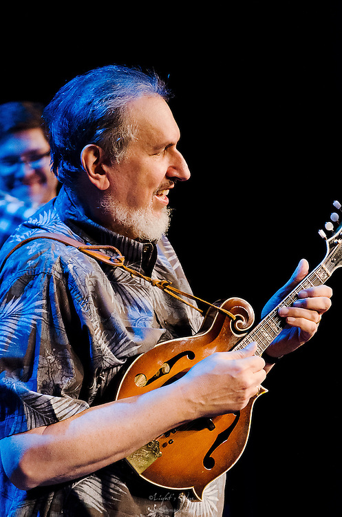 David Bromberg at the start of his quintet's performance at The Landis Theater in Vineland, NJ.