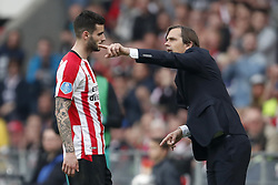 (L-R) Gaston Pereiro of PSV, coach Phillip Cocu of PSV during the Dutch Eredivisie match between PSV Eindhoven and Ajax Amsterdam at the Phillips stadium on April 15, 2018 in Eindhoven, The Netherlands