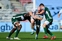Matt Kvesic of Worcester Warriors is challenged by Terrence Hepetema of London Irish and Paddy Jackson of London Irish - Mandatory by-line: Ryan Hiscott/JMP - 13/09/2020 - RUGBY - Twickenham Stoop - London, England - London Irish v Worcester Warriors - Gallagher Premiership Rugby