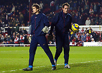 Fotball<br /> Champions League 2004/05<br /> Arsenal v Rosenborg<br /> Highbury - London<br /> 7. desember 2004<br /> Foto: Digitalsport<br /> NORWAY ONLY<br /> Arsenal's Jens Lehmann and Manuel Almunia