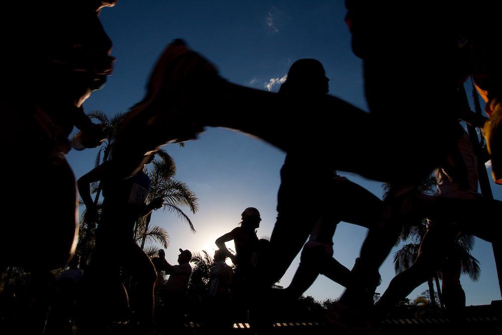 Araxa_MG, Brasil...Largada de maratona em frente o Ouro Minas Grande Hotel...Started marathon in front of the Ouro Minas Grande Hotel...Foto: MARCUS DESIMONI / NITRO