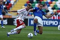 Fotball<br /> EM U21<br /> 24.05.2006<br /> Italia v Danmark<br /> Foto: Imago/Digitalsport<br /> NORWAY ONLY<br /> <br /> Giorgio Chiellini (Italien U21, re.) gegen Jonas Kamper (Dänemark U21)
