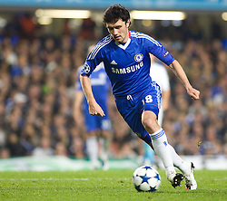 28.09.2010, Stamford Bridge, London, ENG, UEFA Champions League, Chelsea vs Olympique Marseille, im Bild Chelsea's Yuri Zhirkov in acttion against Marseille. EXPA Pictures © 2010, PhotoCredit: EXPA/ IPS/ Mark Greenwood +++++ ATTENTION - OUT OF ENGLAND/UK +++++