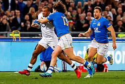 Jonathan Joseph of England is tackled by Tommaso Boni of Italy - CFPfoto/JMP - 04/02/2018 - RUGBY UNION - Rome, Italy - Stadio Olimpico - Italy v England - 2018 NatWest 6 Nations Championship.