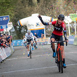 2019-11-17 Cycling: dvv verzekeringen trofee: Flandriencross: Annemarie Worst wins in Hamme ahead of  Sanne Cant