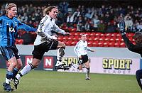 Fotball Royal League Trondheimn 11.11.2004 – Rosenborg – Djurgården 4-4 Thorstein Helstad scorer<br /><br />Foto: Carl-Erik Eriksson, Digitalsport