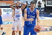 DESCRIZIONE : Cantu, Lega A 2015-16 Acqua Vitasnella Cantu' Enel Brindisi<br /> GIOCATORE : Kenny Hasbrouck Delusione<br /> CATEGORIA : Delusione<br /> SQUADRA : Acqua Vitasnella Cantu'<br /> EVENTO : Campionato Lega A 2015-2016<br /> GARA : Acqua Vitasnella Cantu' Enel Brindisi<br /> DATA : 31/10/2015<br /> SPORT : Pallacanestro <br /> AUTORE : Agenzia Ciamillo-Castoria/I.Mancini<br /> Galleria : Lega Basket A 2015-2016  <br /> Fotonotizia : Cantu'  Lega A 2015-16 Acqua Vitasnella Cantu'  Enel Brindisi<br /> Predefinita :