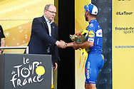 Alberto II de Monaco - Fernando Gaviria (COL - QuickStep - Floors) on podium during the Tour de France 2018, Stage 1, Noirmoutier -en-l'île - Fontenay-le-Comte (201km) on July 7th, 2018 - Photo Luca Bettini / BettiniPhoto / ProSportsImages / DPPI