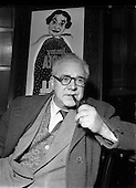 1952 - 17-12 Harry O'Donovan,