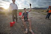 Gareth Hanks viert dat hij weer het record met de trikes heeft verbroken op de vijfde racedag van de WHPSC. In de buurt van Battle Mountain, Nevada, strijden van 10 tot en met 15 september 2012 verschillende teams om het wereldrecord fietsen tijdens de World Human Powered Speed Challenge. Het huidige record is 133 km/h.<br /> <br /> Gareth Hanks celibrates he broke the world record on trikes again on the fifth day of the WHPSC. Near Battle Mountain, Nevada, several teams are trying to set a new world record cycling at the World Human Powered Vehicle Speed Challenge from Sept. 10th till Sept. 15th. The current record is 133 km/h.